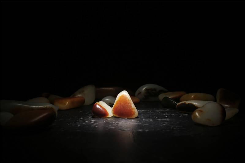 """籽料:红皮下的""""百肉""""!看完才知道为什么红皮白肉贵了"""